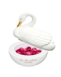 Les Merveilleuses LADURÉE Rose Ladurée Swan Blush (Holiday 2019)